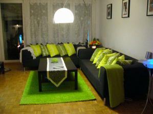 koupeny polštáře a nový koberec do obýváku
