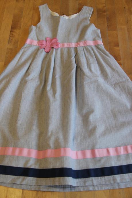 Dívčí společenské šaty Bonprix - vel. 134 - Obrázek č. 1