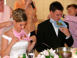 Renátka a Daniel pri večeri