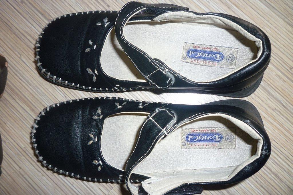 Čierne topánočky, veľ. 32, vn. dl. 20 cm - Obrázok č. 2