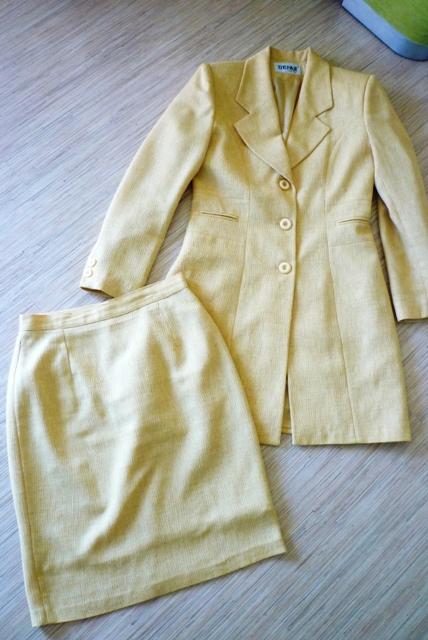 Žltokrémový sukňový kostým, veľ. 38 - Obrázok č. 1