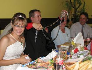 jeden originální dárek-řetěz pro manželku