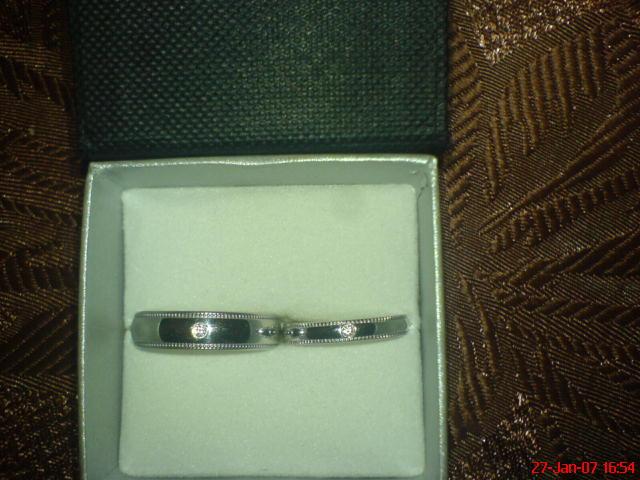 Nas svadobny sen - Nase prstienky-biele zlato s diamantom