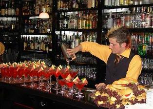 mobilni bar uz je tez zamluven, uz se tesim na koktejliky ;))