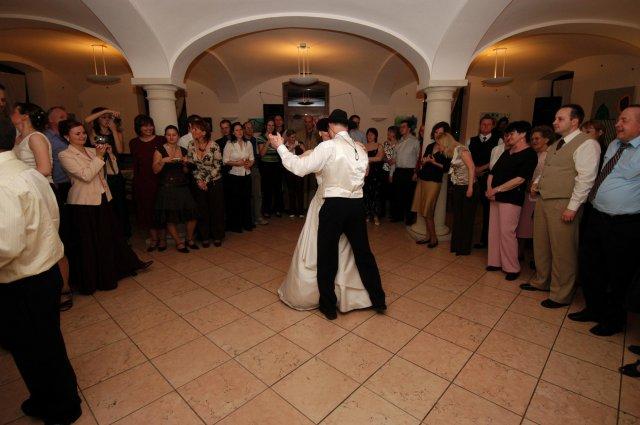 Eva Nováková{{_AND_}}Marek Klobušník - teraz im ukážeme ako sa tancuje...
