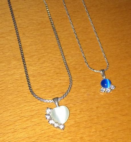 2 náhrdelníky s príveskom - Obrázok č. 2