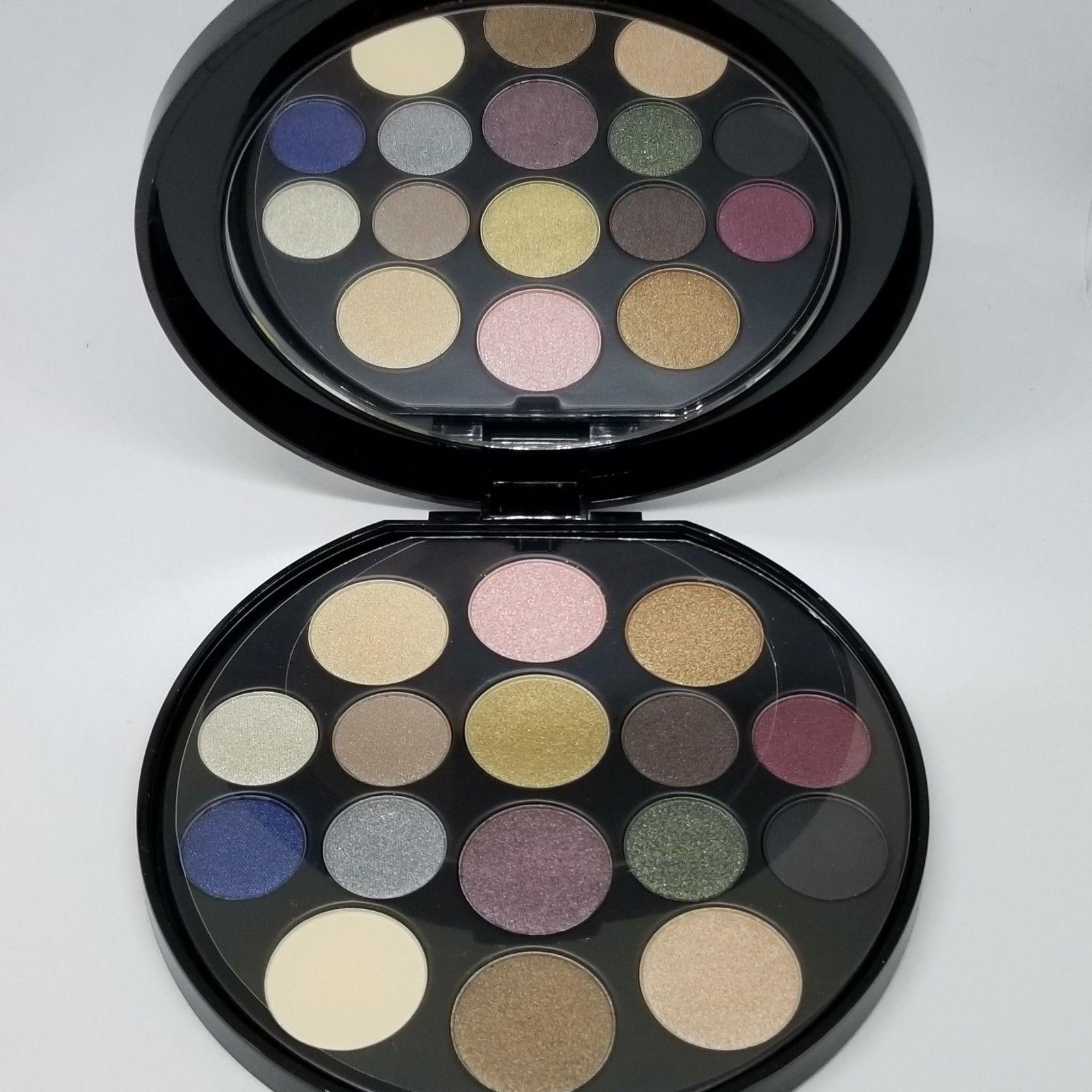 paleta 16 očných tieňov Elizabeth Arden - Obrázok č. 1