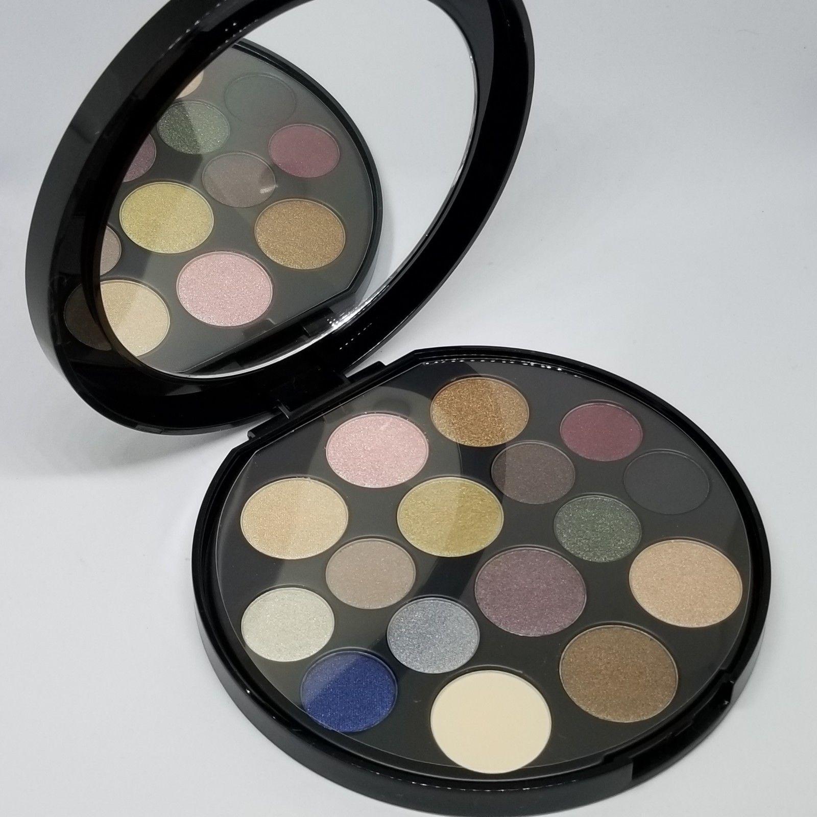 paleta 16 očných tieňov Elizabeth Arden - Obrázok č. 2