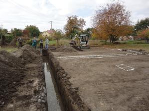 14.10.2013 - vykop, ups, trocha viac vody