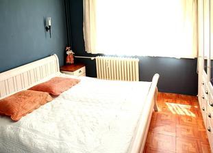 """Ložnice """"Veneto"""" zatím čeká v rozloženém stavu...  Do malé ložničky v domku se vejde jen tak tak, ale vejde :-). Tu tam musím mít, i kdybych měla kus domku nastavit."""