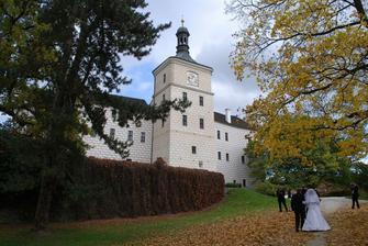 REALITA - Zámek Březnice v podzimní kráse