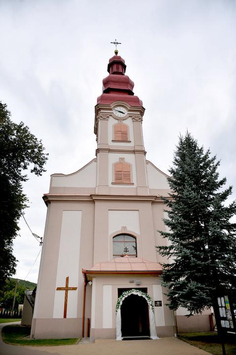 Kamila{{_AND_}}Milan - nas kostolik v Myslave:)