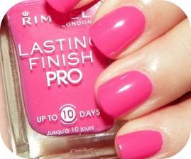 krátké růžové nehty