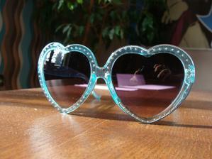 Zamilovaný tyrkysový brýle :D