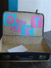 kufřík připraven, dokonce sme už dostali i jedno blahopřání :)