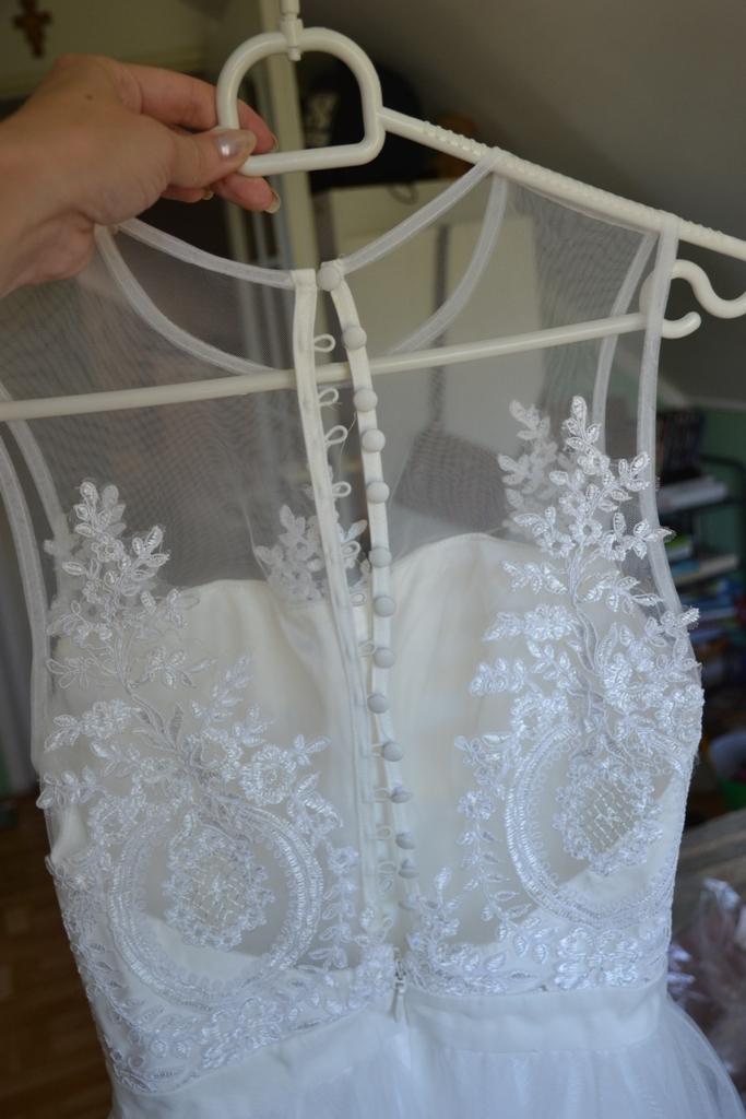Nádherné šaty Chichi London s čipkou - Obrázok č. 2