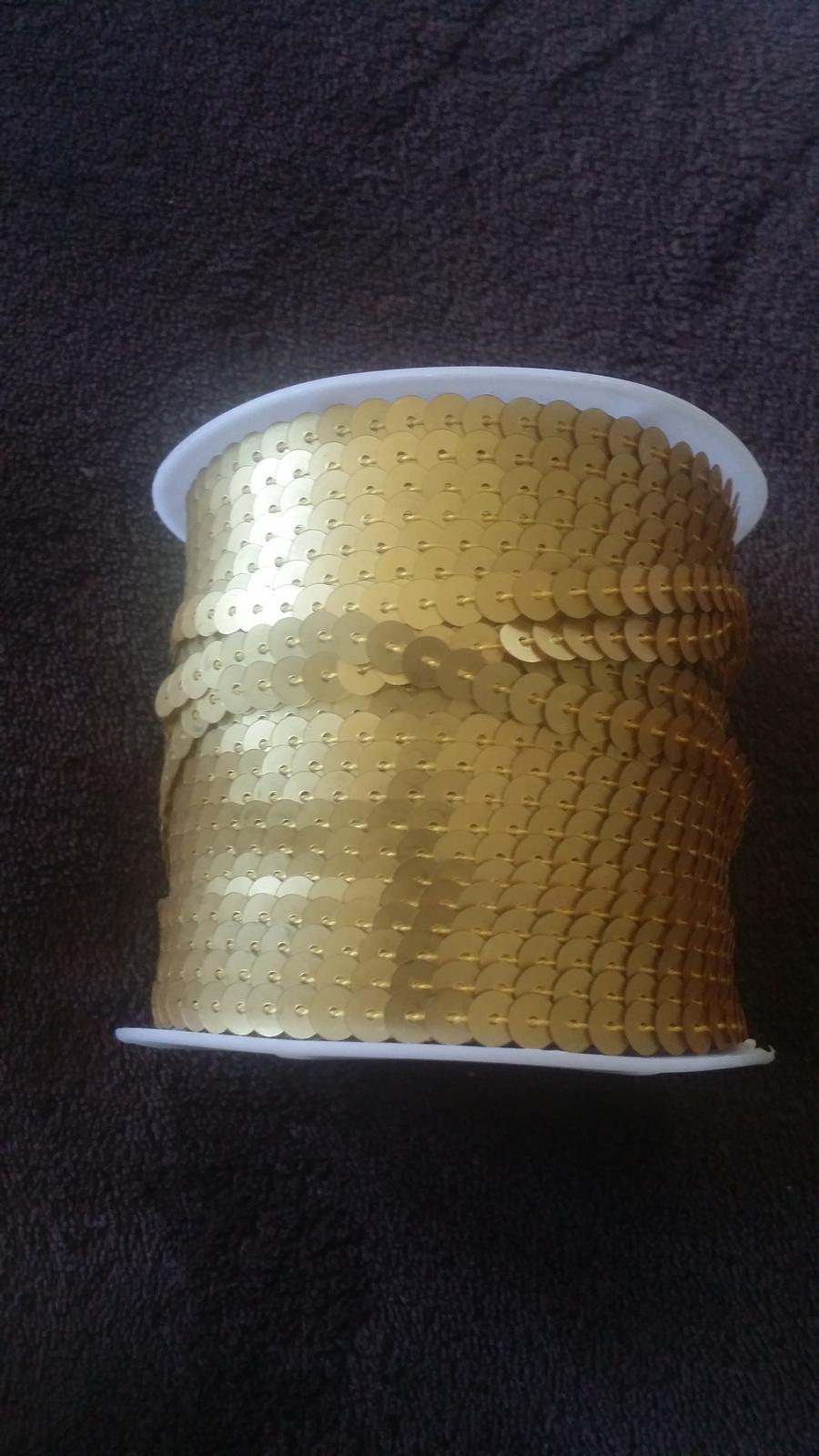 zlate flitre na snurke - Obrázok č. 1