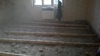 aj podlahu sme vytrhali :)