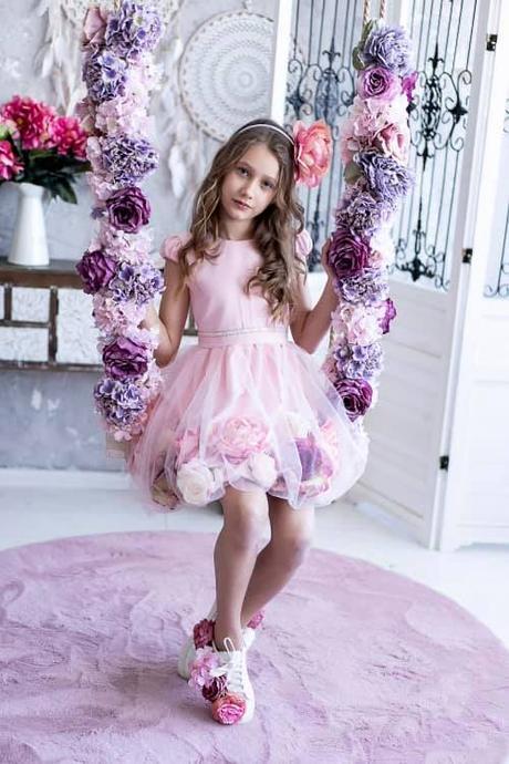 Ružové šaty s ružami - Obrázok č. 1