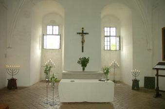 Vyzdobená kaple. Velká romantika