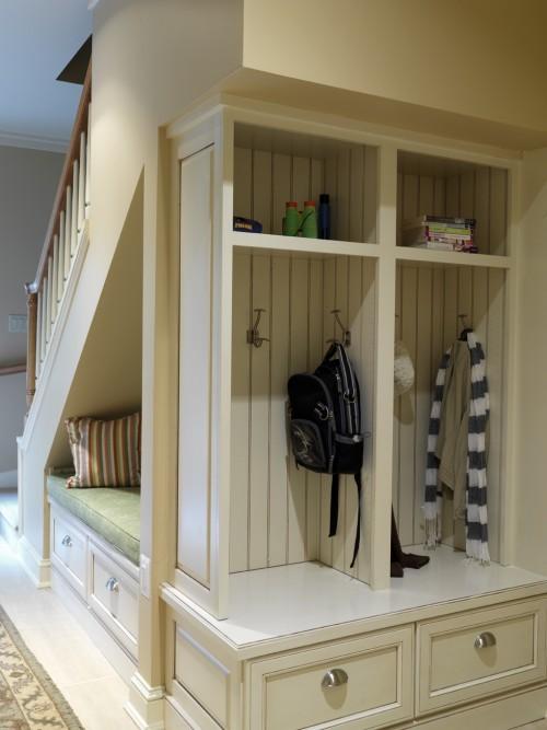 Chytré nápady - využití prostoru pod schodama