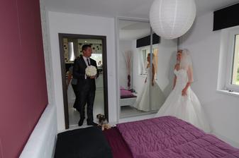 Toto je asi opravdu jedna z nejdojemnějších chvil svatebního dne.Chtělo se mi tak moc brečet...