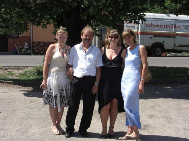Ivka a vlado - naša family :o)) sestra,ocino,ja,mamina