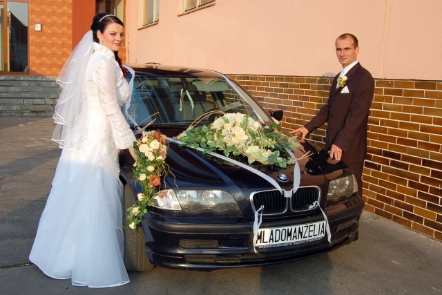 Psicová Adriána{{_AND_}}Ondrejka Ľuboš - svadobné autíčko