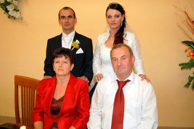 Psicová Adriána{{_AND_}}Ondrejka Ľuboš - ženíchovy rodičia