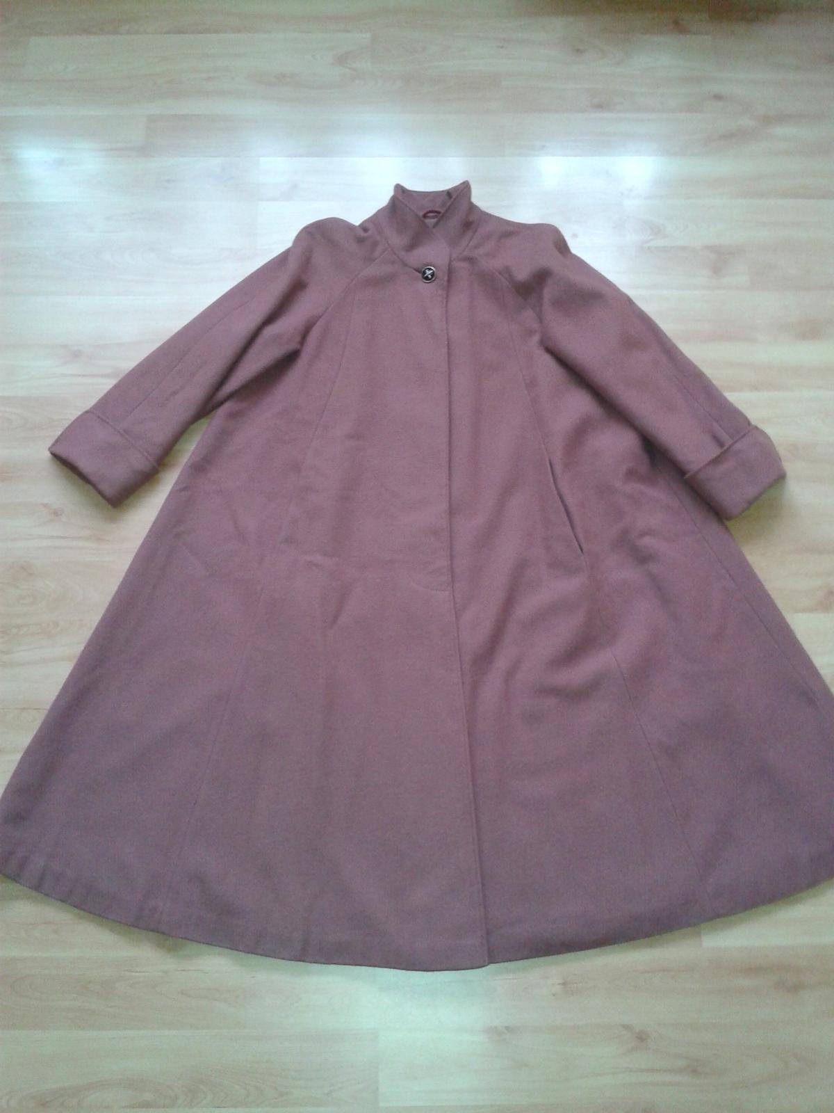 Dámsky balónový kabát - Obrázok č. 1