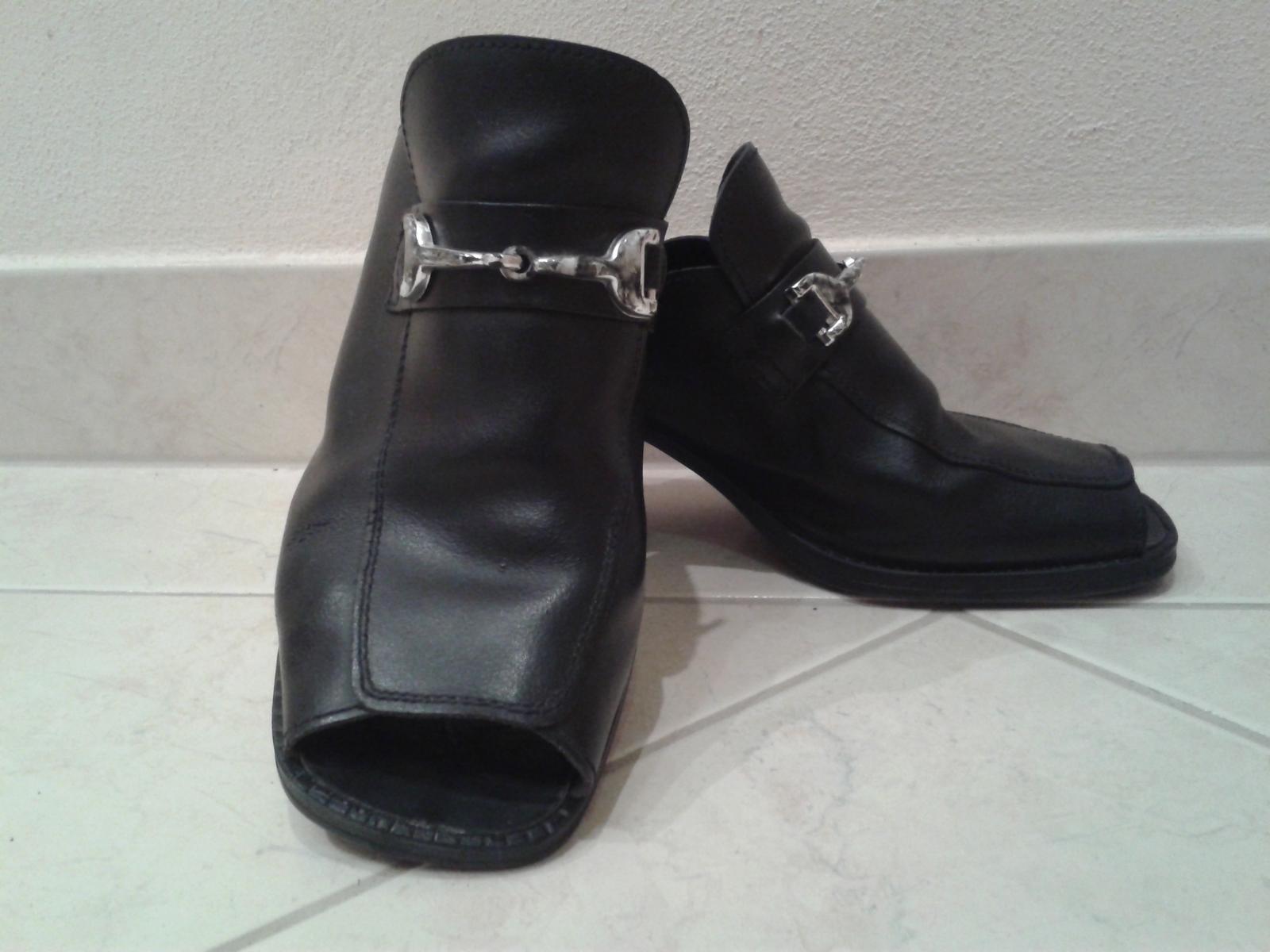 Čierne topánky s otvorenou špičkou/pätou - Obrázok č. 1