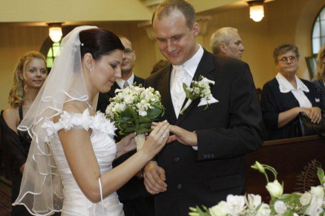 Adka Babikova{{_AND_}}Ericek Drazdak - a vymena prstienkov...