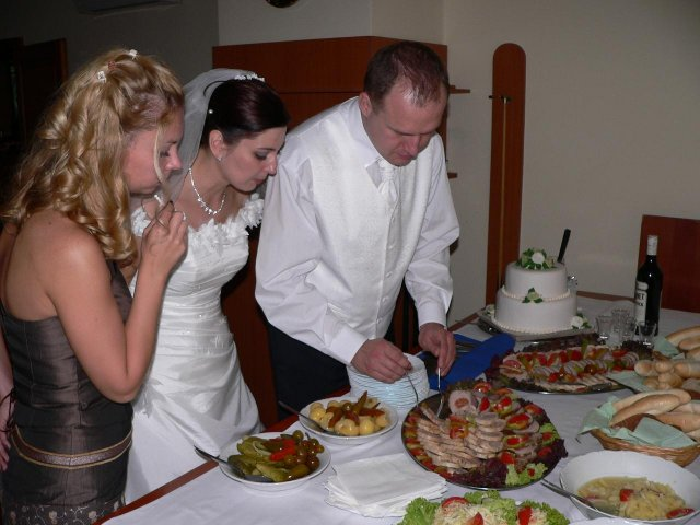 Adka Babikova{{_AND_}}Ericek Drazdak - a opat hlad po tanci :o))