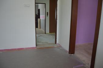 podlahy strhnuté