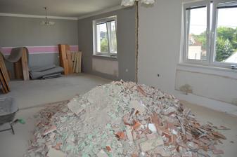 dame stenu preč ,akoby povedala pani Brychtova buduca kuchyňo obývačka