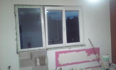 Fix okno , muselo byt o nieco širšie kedze je miesto balkonovych dveri