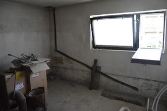 odpad v kotolni z kuchyne nad tým rovno do žumpy pred domom