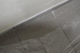 4.9 ukladanie dlažby , šedá antracit -mm