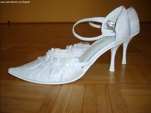 moje krásné svatební botičky..od Zoretky
