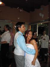 první tanec s bublifuky:)