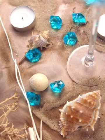 Niečo pre inšpiráciu pre budúce nevestičky... - mušle a piesok svadobná výzdoba stola