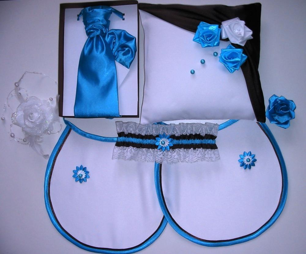 Niečo pre inšpiráciu pre budúce nevestičky... - francúzska kravata,vankúšik pod obrúčky,podväzok,ozdoba do vlasov,náramky pre družičky,podbradníky