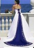 zadná strana svadobných šiat