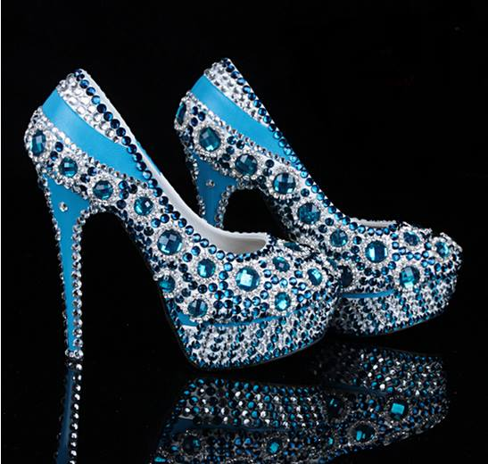 Niečo pre inšpiráciu pre budúce nevestičky... - svadobné topánky alebo po polnočné