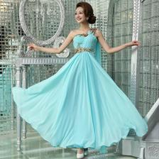 šaty z prednej strany