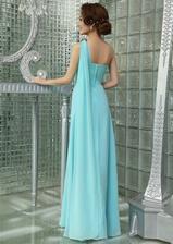 šaty zo zadnej strany