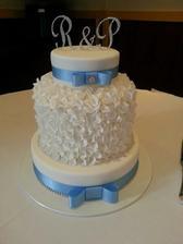 svadobná torta-stužka sa nahradí samozrejme tyrkysovou