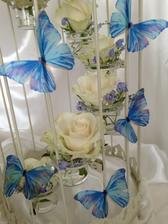 svadobná výzdoba - živé ruže s motýľmi v klietke