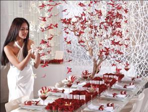 svadobná dekorácia strom s motýľami