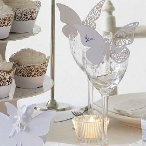 Svadba inšpirovaná krásou motýľov - menovky na poháre